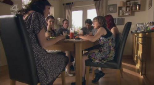 Does anyone else think that they should do a Skins spin off called 'the Fitches'? :L :D