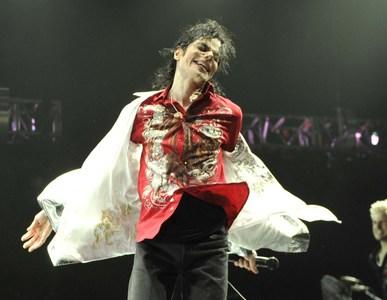 Which foto best describe MJ?