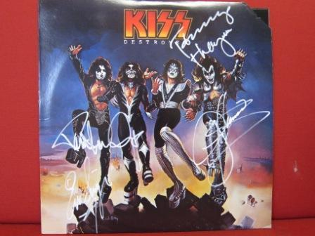 "anyone interested in an ""Destroyer"" album signed par Gene Simmons, Paul Stanley, Tommy Thayer and Eric Singer? check this out: http://www.biddingforgood.com/auction/item/Item.action?id=109471201"