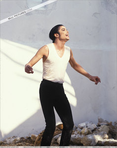 Is it true that there will be a new MJ cd out in November 2010? Of a bucnch of unreleased singles? If So GUESS WHO'S EXCITED !!!!