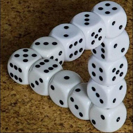 quick!!! post some pictures of optical illusions o forever hold your piece!!!!