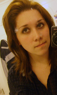 I'm very bored, so I want to play for a while. this girl looks a bit like Kristen? she's my bff xD.