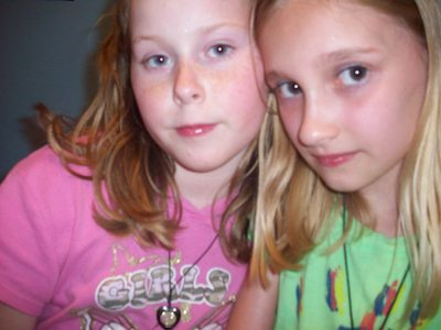 Whos Prettyer The girl with the brown hair(krista) या me the one with the blonde hair(Destiny)