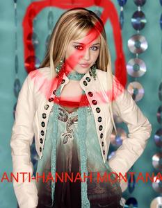 HAHAHAHAHAHAH! TAKE THAT HANNAH MONTANA!! HAHAHAHAH!