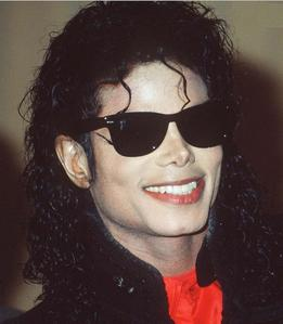 Hi! From House34 to you special MJ fans !!