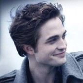 Well, sorry folks, but I'm a die-hard Twilight fan. I think Edward is hotter, Rob's kinda weird looking, but Edward's hot. :) Stefan's really hot too though. Yum. lol.