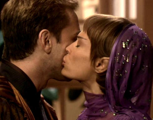 No! Archer and T'Pol did NOT fit together at all! Trip and T'Pol were meant to be together! They complement each other. Archer just got in the way.