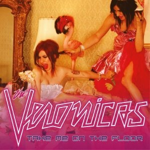 I amor the Veronicas and I am obsessed with this song and this pic! lol! =D