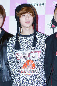 taemin is the best he is geting hot day after day he is more hansom then befor he is the best
