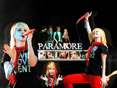 My fav.singer-Kelly Clarkson Favourite band-Paramore and RBD