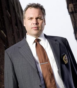 Oh this is too easy. Duh! Vincent D'Onofrio!