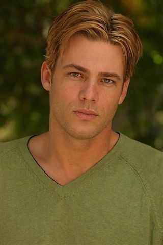 William Gregory Lee. He's the hottest actor I've ever seen.