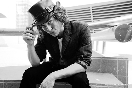 jackson rathbone, he is so cute!!1