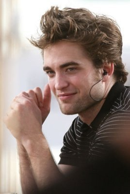 Robert Pattinson I know but i just pag-ibig him na want to meet him just once