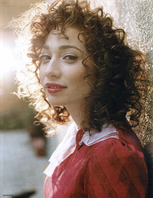 woah, i have ALOT of celebs id love to meet!! id love to meet the jonas brothers, taylor swift, fall out boy, Demi Lovato, Rainn Wilson from the office, Andrew lloyed Webber, Stephenie Meyer, Regina Spektor. well probably right now i want to meet the russian born singer Regina Spektor. she is awesome! i love her!
