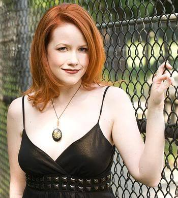 Richelle Mead her पुस्तकें are the best! ♥
