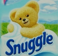 Fav: 1. Snuggle dryer sheets (I've got a Snuggle [i]air-freshener[/i] that smells like that. :D ) 2. Warm, clean clothes, like when they've just been in the dryer, или they been over the heater. LOL 3. Vacuum cleaners... XD Least fav: 1. Dook XP 2. Farts 3. Sharpies... How can Ты people [i]like[/i] the smell of those things???