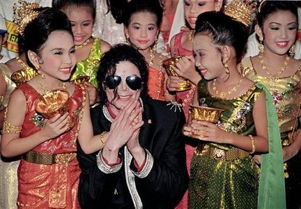 when I first about this I was in tears ;( and then I thought about Michael and how much he would have gave to help this situation. of course he would have donated monney and I think he would have went there and help out. He wouldnt have asked anyone for money and would have gave his own. He cared for childern and ppl in need and wanted to make the World a better Place for EVERYONE. ~~~~~~~~~~~~~~~~~~~~~~~~~~~~~~~~~~~~~~~~~~~~~~ I wish the Childern and the People in Haiti the very very very best and I hope things get better real soon