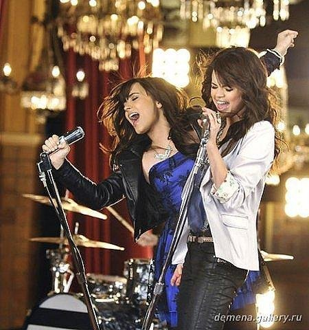 I actually heard,that when Demi was asked:How's Selena? she said:Ask Taylor,,,,, but I hope they're still friends!