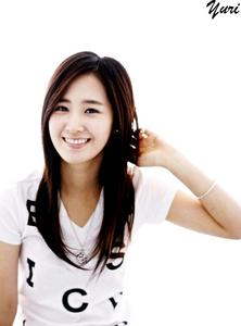 yes yuri so beautiful আরো than yoona hu3 so cute yuri>>>>