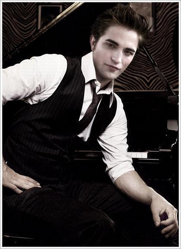 Robert is the definition of hot!!!