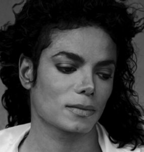 I can relate to te I too want to cry when I see thos BEAUTIFUL children of MJ's, when I saw paris cry at MJ's memorial service I bawled like a big baby. It is ok to cry because when we Lost MJ we Lost alot, a hero, a friend, a lover and a father, not to mention more. Grieving is ok, don't be hard on yourself. Amore MJ FOREVER