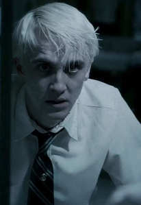 At first I thought it сказал(-а) 'post the [i]sexist[/i] pic...' and I was all weirded out. This is a picture of Tom Felton, even though he isn't a favorite. But I still like him. I couldn't find a good picture of him. This was the best I could find before I gave up searching.