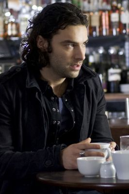 Mitchell (Being Human)- He is a vampire, but he's a lot più than just that. He's actually a pretty nice, funny guy who's also a caring friend to the people he loves. Only when things go horribly wrong do te see a glimpse of what he's hiding underneath, and its not very nice.