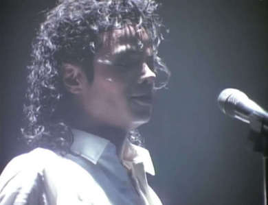 I cinta all his outfitts but I cinta Dirty Diana the most because he looks bad in that pic:)