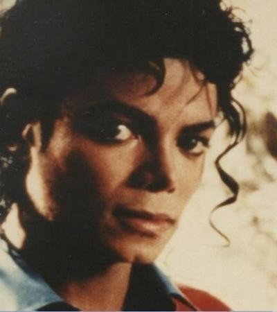 ah! I don't know!! well it will be: I just can't stop loving Du smooth criminal or...or... man in the mirror