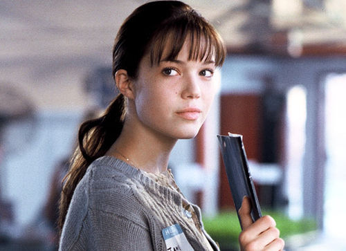 Jamie Sullivan [A walk to remember] She was so strong and lived her life as if she wasn't dying... I loved her! <3