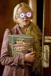 Luna Lovegood :) from Harry Potter (BTW, I 愛 almost ALL of the characters SOOO much, and all of them are amazing, but when it comes to individual personality and stuff, Luna ROCKS!) She is very optimistic and funny :) She is very quirky and different, which is why she is so awesome! She doesn't try to follow the crowd, and she is so nice! She cracks me up in HBP X)