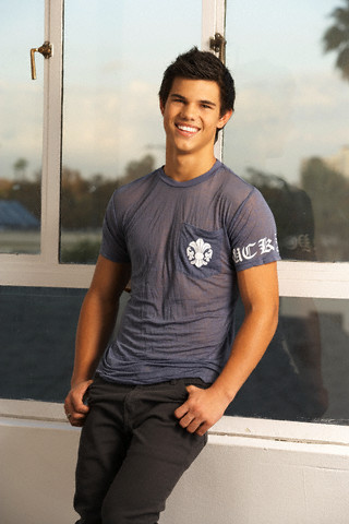 mine is taylor lautner a.k.a. jacob black in new moon because he is sooo hot and funny