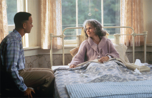 Forrest Gump. Tom Hanks, one of my お気に入り actors, plays as Forrest. 愛 the movie, and 愛 him as the character. ;)
