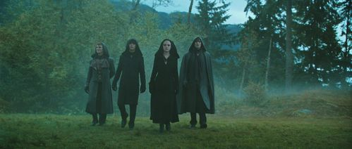 Not a big Twilight fan, but I still have a huge crush on all of the Volturi men. Felix being number one. After seeing New Moon, I really wanted to marry him. I amor any guy that can take Edward down a few pegs.