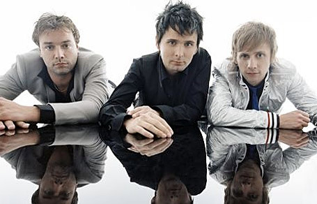 MUSE!!! (I'M IN 愛 WITH MATTHEW BELLAMY, THE SINGER OF THE BAND!!!!!)