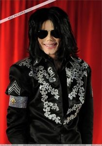 awesome!!!!! Once,I went to the kichen,and I look at the door of the balcony,and there was MJ's face on the glass!!!!!!I was little scard,but only 4 a second.Next time a went to the kichen,his face was still there... looking at me!!!!!I couldn't beileve it!!!!!! I didn't told that to anyone,on till now... Maybe I'm crazy,maybe I just imagine that...I don't know realy...