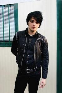Gerard Way (: LOL