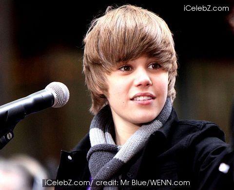 Justin Bieber!!!!<3 I Liebe him sooooooo much!!!!!!!!!!!!:)))))))))))))))))))))))))