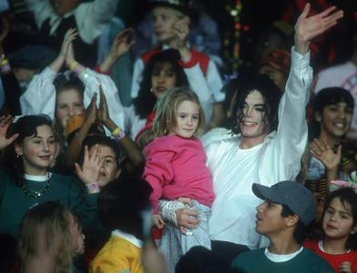 No matter what Paris или her brothers will do, I will be there for them, supporting them in any action. I Любовь them. They're Michael's Дети :)
