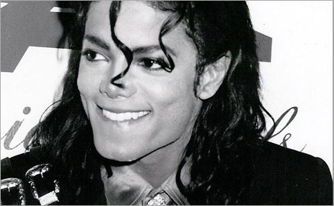Heres a picture of Michael ( i pag-ibig this smile!)..................
