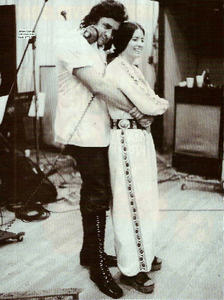 Well I'm totally into country Музыка unlike most of the people here, and I totally Любовь this picture of Johnny and June (Johnny Cash is my Избранное singer, but whenever I think of him I immediatly think of June too so this is a pic of both of them)