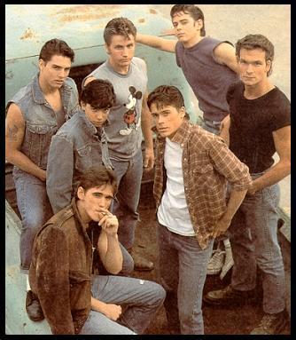 My kegemaran book ever.... The Outsiders.