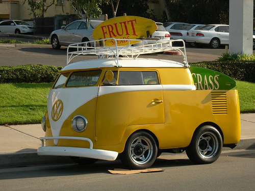 I pag-ibig Volkswagen, and this bus is just adorable!