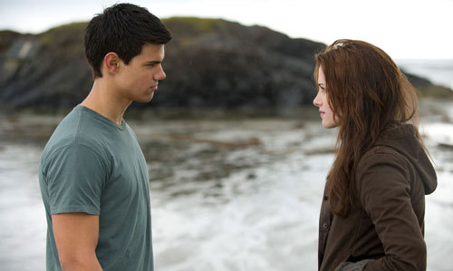 "I am most definitely Team Jacob. 1. He doesn't sparkle (like Edward). 2. He doesn't stalk Bella (like Edward). 3. He never left Bella or made her forget about him (like Edward). 4. He is Bella's ""sun."" 5. He's a loyal friend. 6. He actually has a personality (unlike Edward). Oh, and a good argument can always listahan the downsides: 1. He imprinted on Renesmee. 2. He did get a little forceful when It came to Bella sometime (like saying he would kill himself if she didn't halik him)."