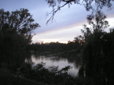 Okay well i don't live in town, i live in the middle of nowhere in Australia, and i live selanjutnya to the forest and river, the image's a little fuzzy but anda get the picture lol