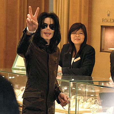 ohh wow:) sure,its nice to meet meer Michael fans:) welcome to the spot and fanpop :))