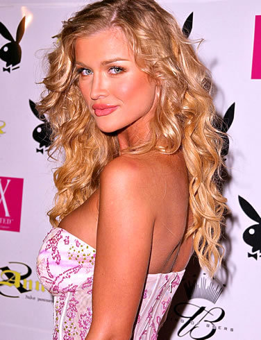 I want to know your opinion - Let's forget for a سیکنڈ that Nikki Reed plays Rosalie. Do آپ think Joanna Krupa (Polish model) would be suitable Rose? (view photo)