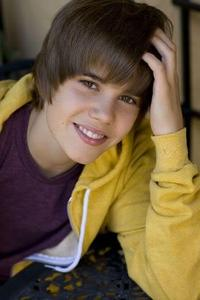 wat i would do is hang out with Justin Bieber and Christian Beadles. they r super nice and super funny. it would b AWESOME!