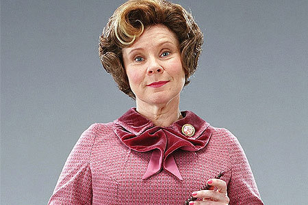 OMG *shoves umbridge in the way of the glear*